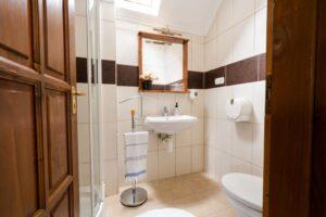 emelet fürdő szeparé
